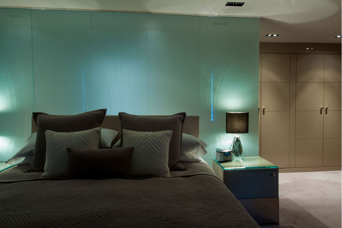 Bedroom-showing-lacquered-wardrobe.jpg - London Town House Residential Gallery - Definitive1 Interior Design