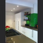 kitchen-with-green-colour-back-glass