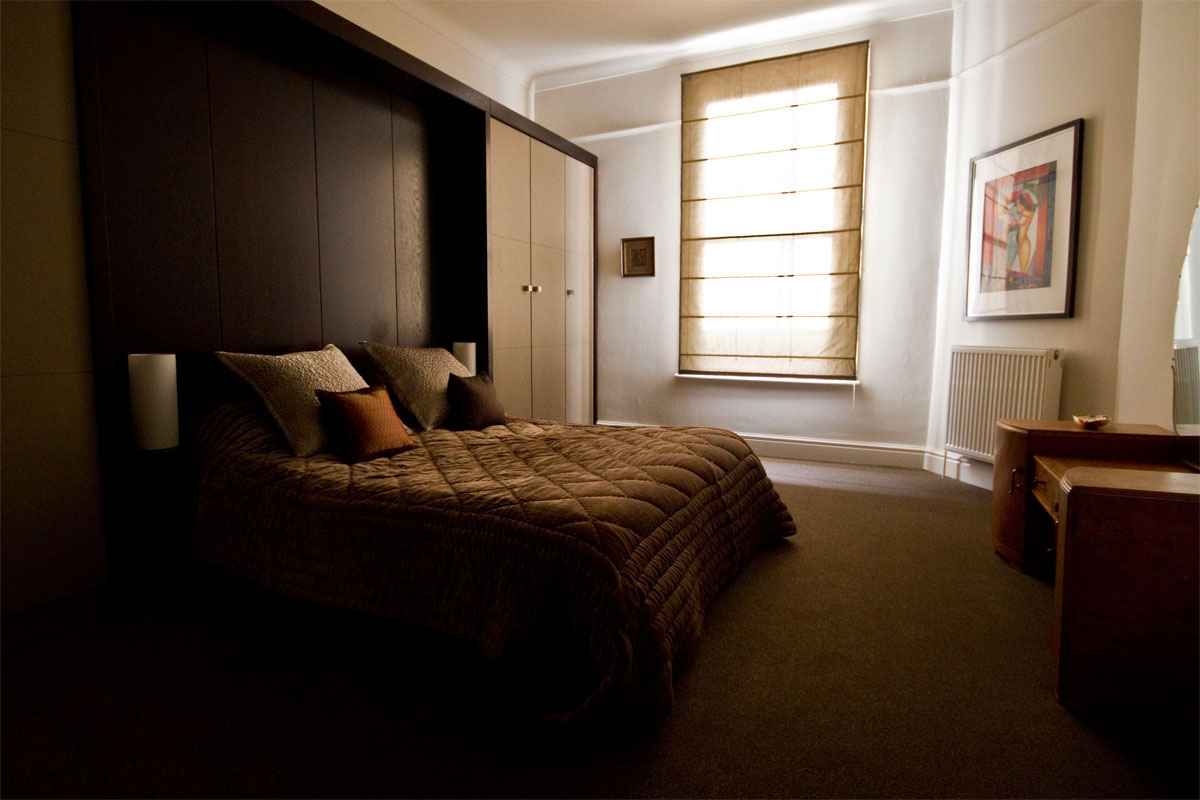 bedroom-with-fitted-wardrobes-1.jpg - Built In Furniture Bespoke Gallery - Definitive1 Interior Design