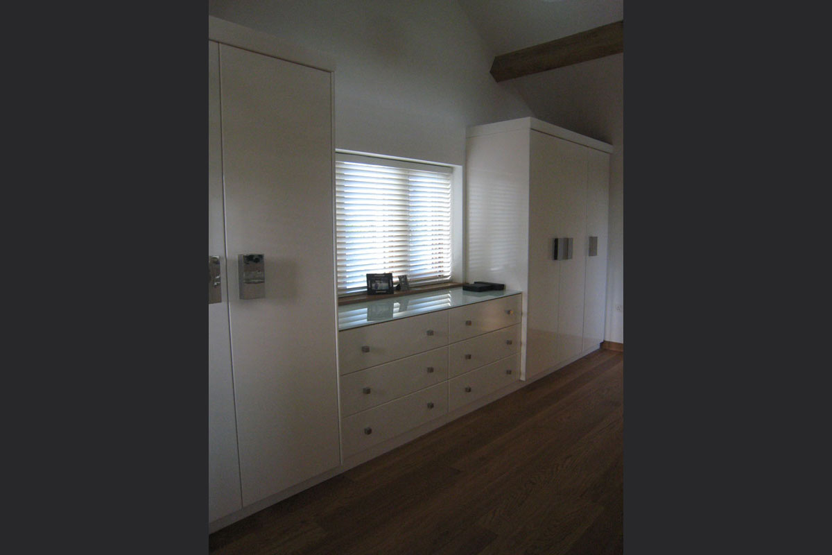 fitted-wardrobes-1.jpg - Built In Furniture Bespoke Gallery - Definitive1 Interior Design