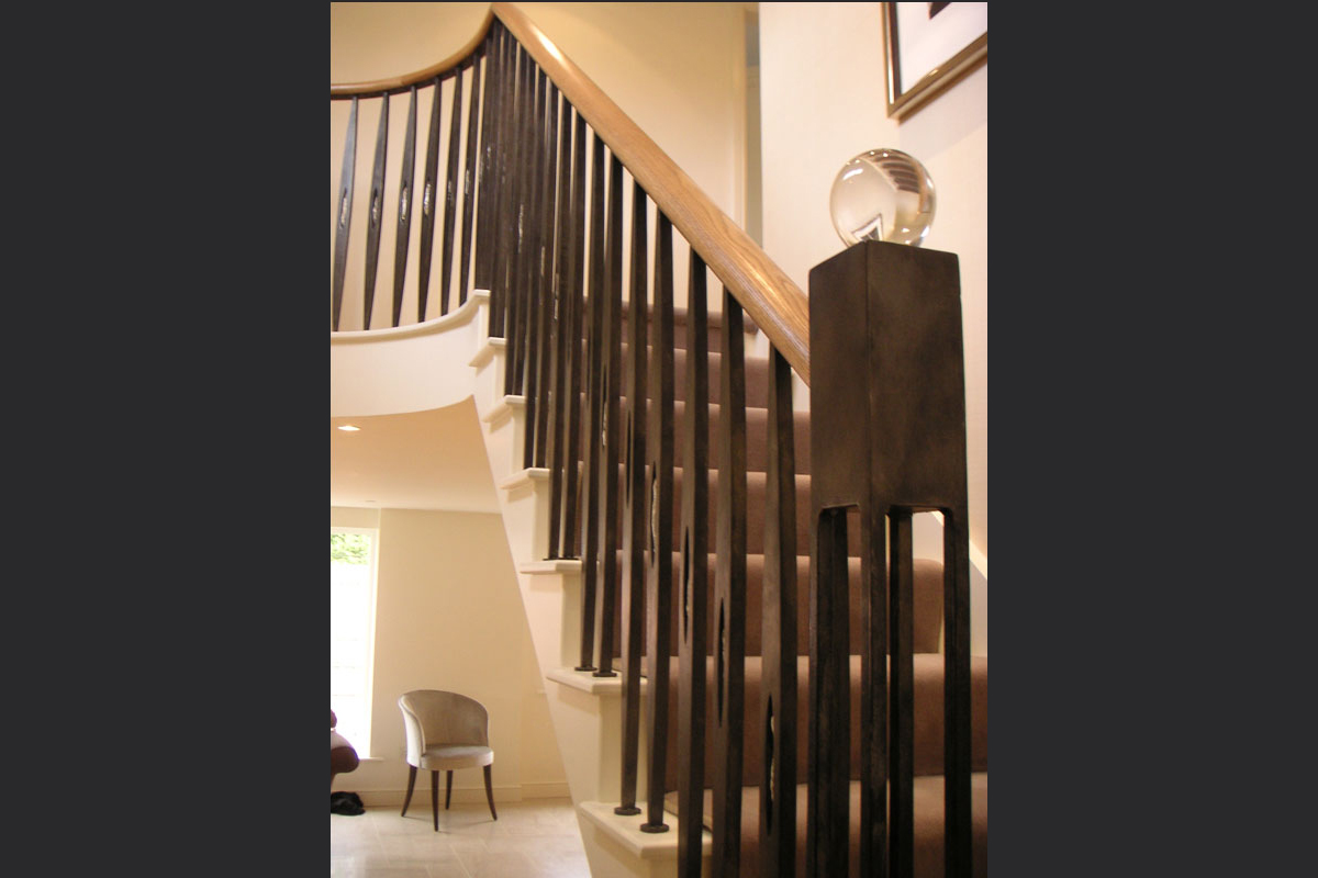 laser-cut-metal-balustrades-with-glass-detailing