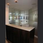 macassa-ebony-bar-with-UV-glued-glass-shelves-1
